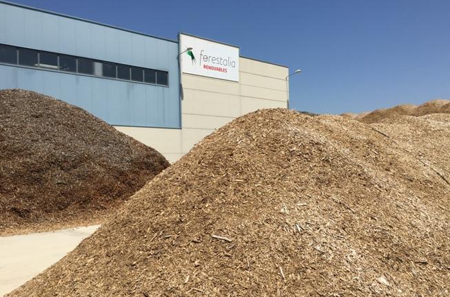 Almacen de pellets y biomasa de Forestalia en Zuera (Zaragoza)